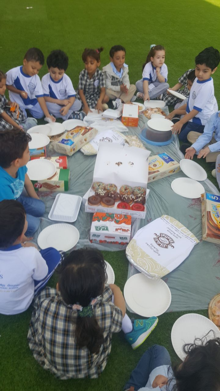 KG2 Colors: Sharing Breakfast